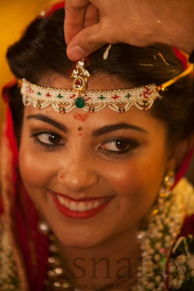 It is believed that the amount of Sindoor that falls on the bride's