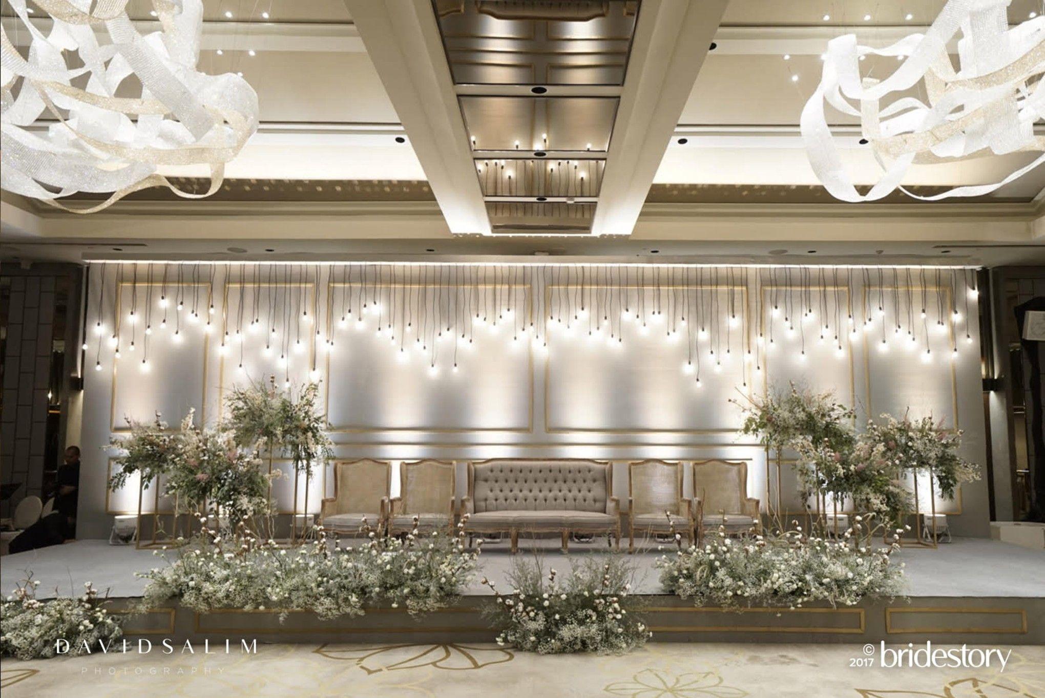 Eksklusif! Pernikahan Raisa dan Hamish: Album Foto Acara Resepsi Pernikahan Malam Hari - Bridestory Blog