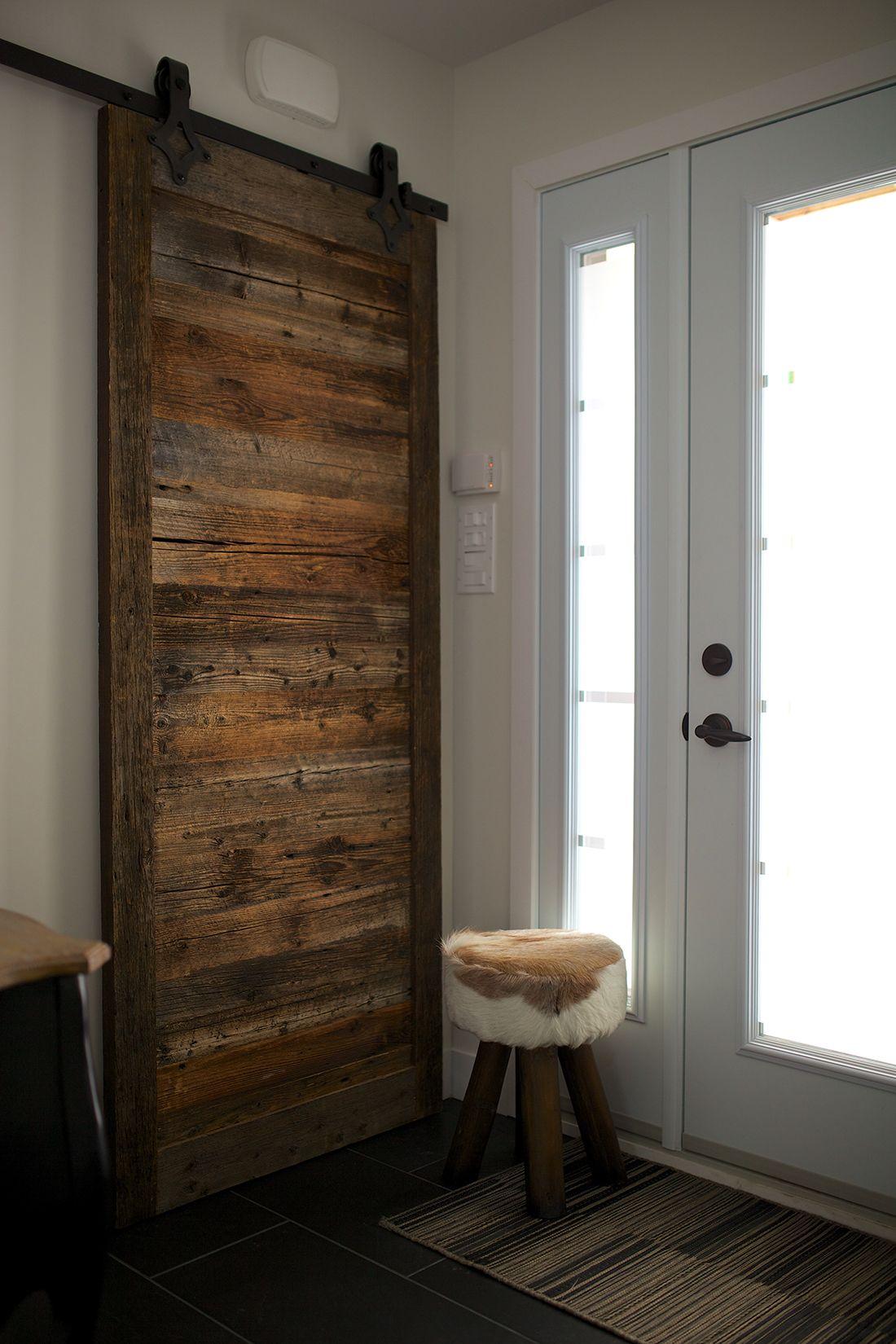 porte de grange coulissante brune maison pinterest. Black Bedroom Furniture Sets. Home Design Ideas