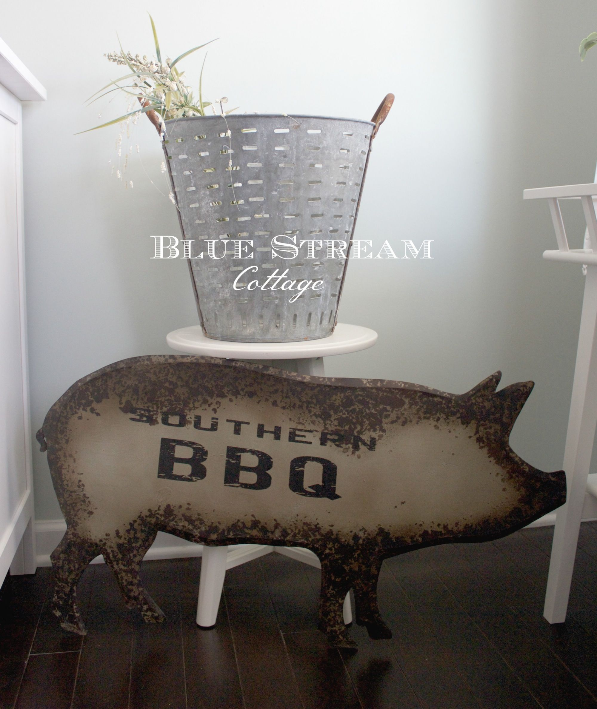 Image of Large Metal Pig Sign - Southern BBQ Pig Wall Art - Farmhouse Home Decor - Pig Silhouette Metal Art