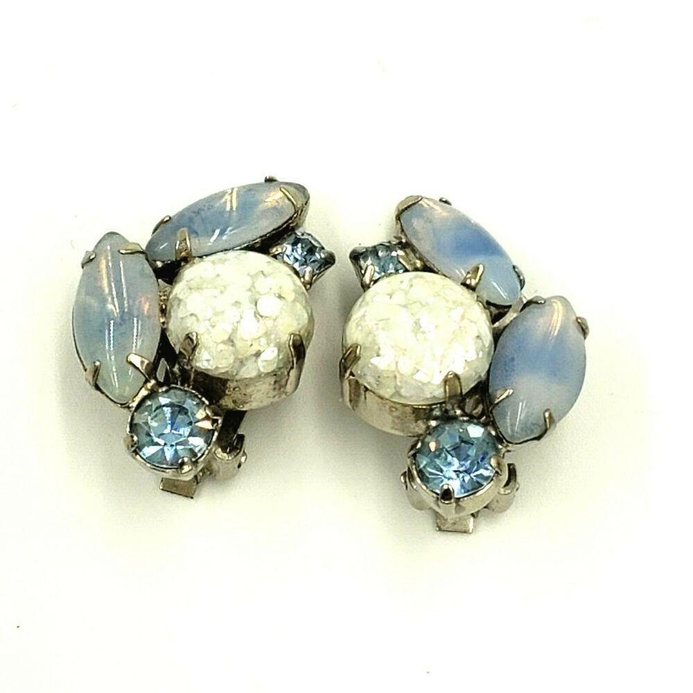 Vintage Clear Rhinestone Earrings Metal Silver Tone Rhinestone Flower Earrings Bridal Clip On Screw Back Silver Rhinestone Earings V12