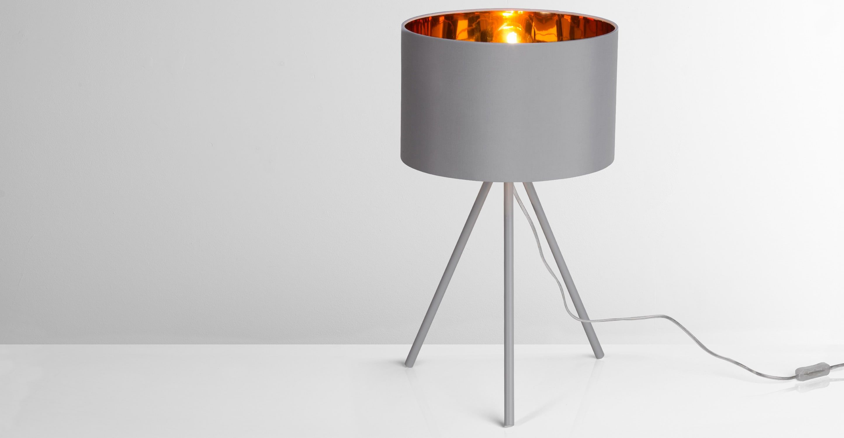 Tris Table Lamp Matt Grey And Copper Lampes De Table Table Grise Lampe Trepied