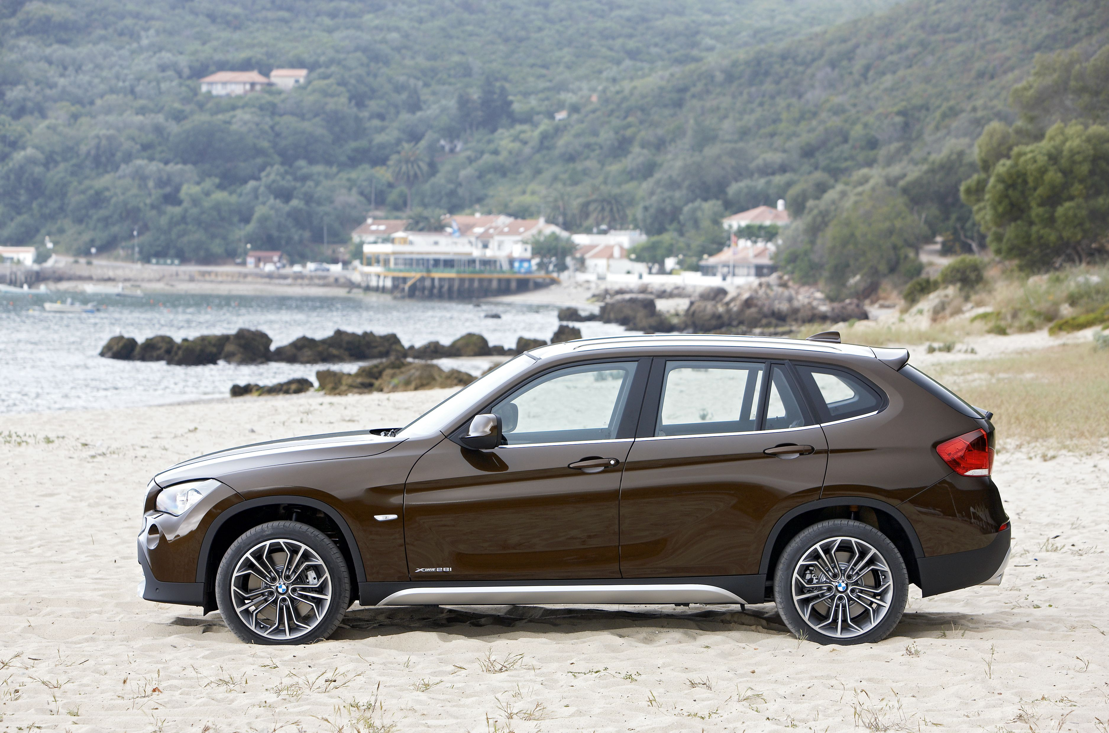 BMW x1 So Legit! (With images) | Bmw, Widescreen wallpaper ...