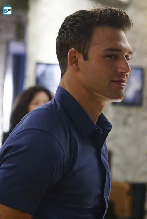 Ryan Guzman - Notorious 1.04 Tell Me a Secret