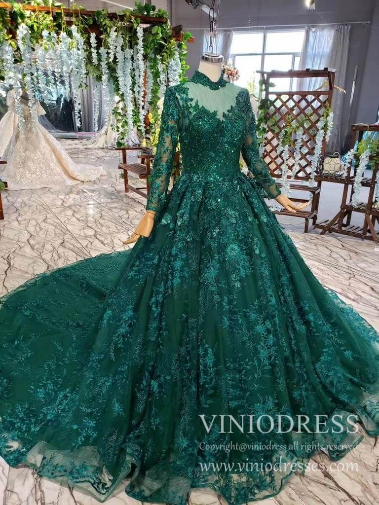 Long Sleeve Vintage Emerald Green Prom Dresses Luxury Debut Dress Fd1876 In 2021 Green Prom Dress Black Girl Prom Dresses Vintage Ball Gowns [ 1024 x 768 Pixel ]