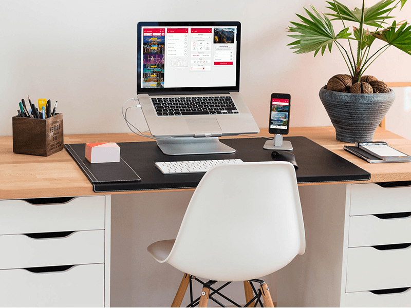 This desk setup is extremely simple, clean and minimalistic. It features a  light wooden