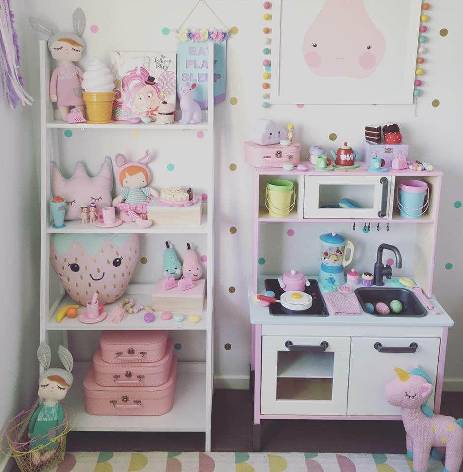Decorazioni stanze bambini affordable camerette per for Decorazioni stanza neonato