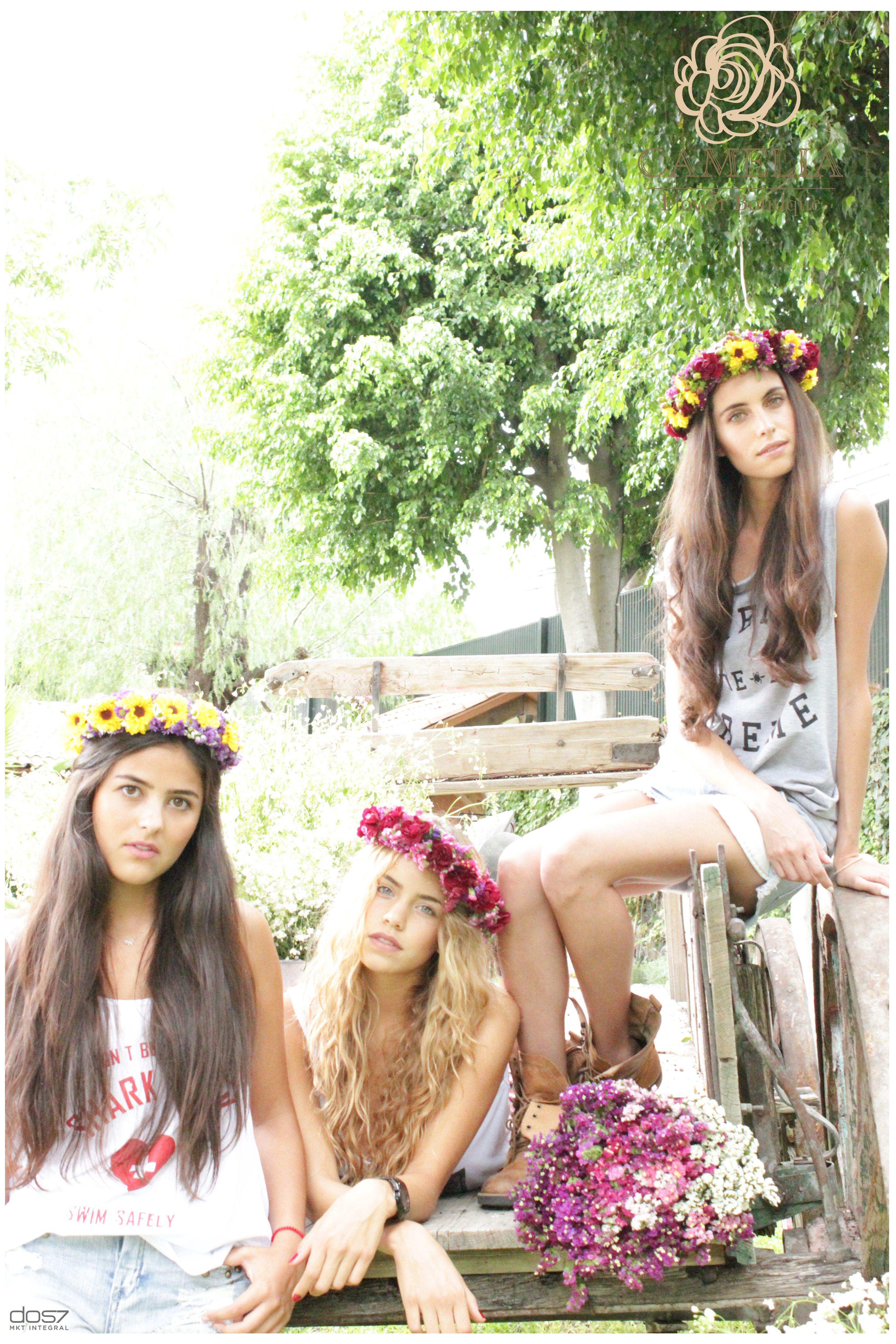 Coronas De Flores Flores De Verano By Camelia Flower Boutique Wedding Fashion Crown Jewelry