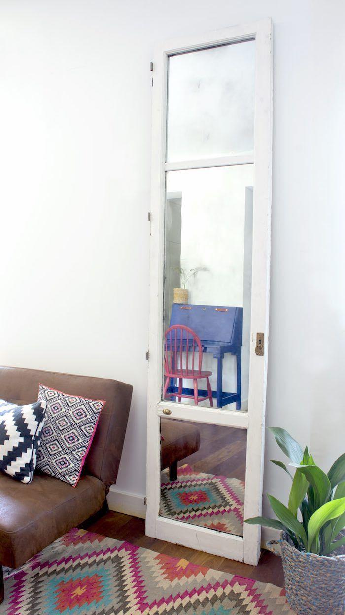 a7278d87c7f9 Diy- de vieja puerta de cristal a original espejo vintage   via MIBLOG