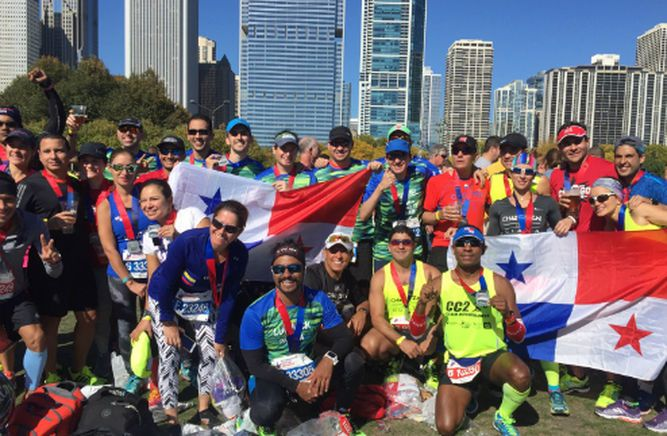 Competidores panameños en Maratón de Chicago 2015, que contó con la participación de cerca de 35 mil atletas, se realizó el  domingo 11 de octubre con el triunfo del keniano Dickson Chumba con tiempo de 2:09:25.