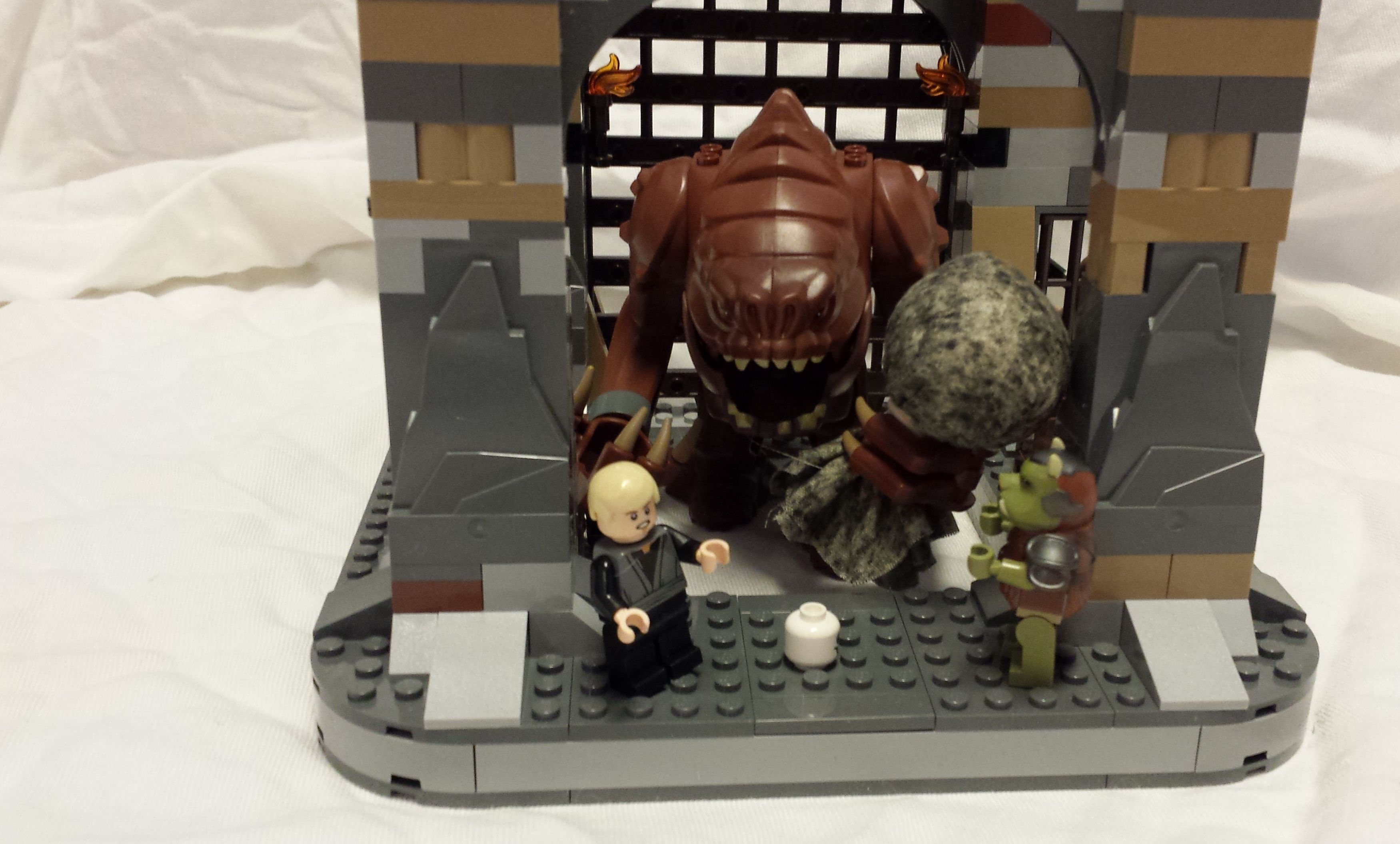 Luke's in trouble! The Rancor has the perfect boulder for throwing.  www.bradleypackets.com