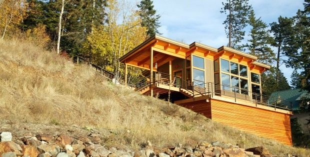 Steep slope cabins rustic abode on a steep slope for Lake house plans for steep lots