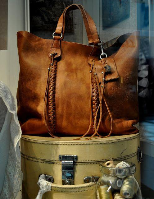 » Ralph Polo Lauren Travel Fashionamp; Siren Window July Display 2011 K1FuTclJ3