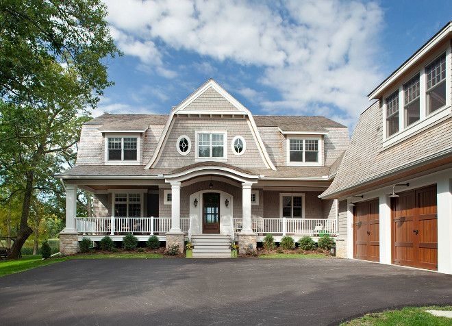 Shingle Home Paint Color The Exterior Of This Shingle Home Is Custom Exterior Cabots Gray Dipped Shingles Nantucket Style Homes Nantucket Home House Exterior