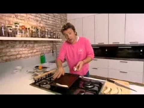 ▶ Jamie Oliver's banana tarte tatin - Jamie's Ministry of Food - YouTube
