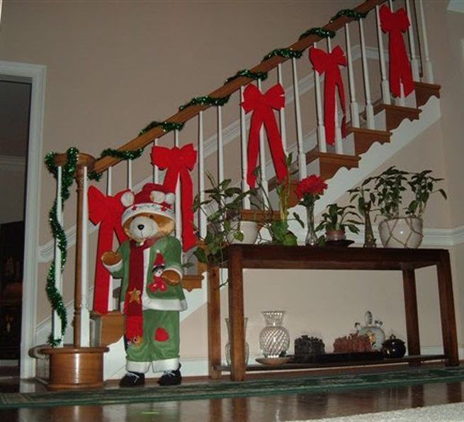 decorar escaleras en Navidad 2 - decorar barandilla Christmas