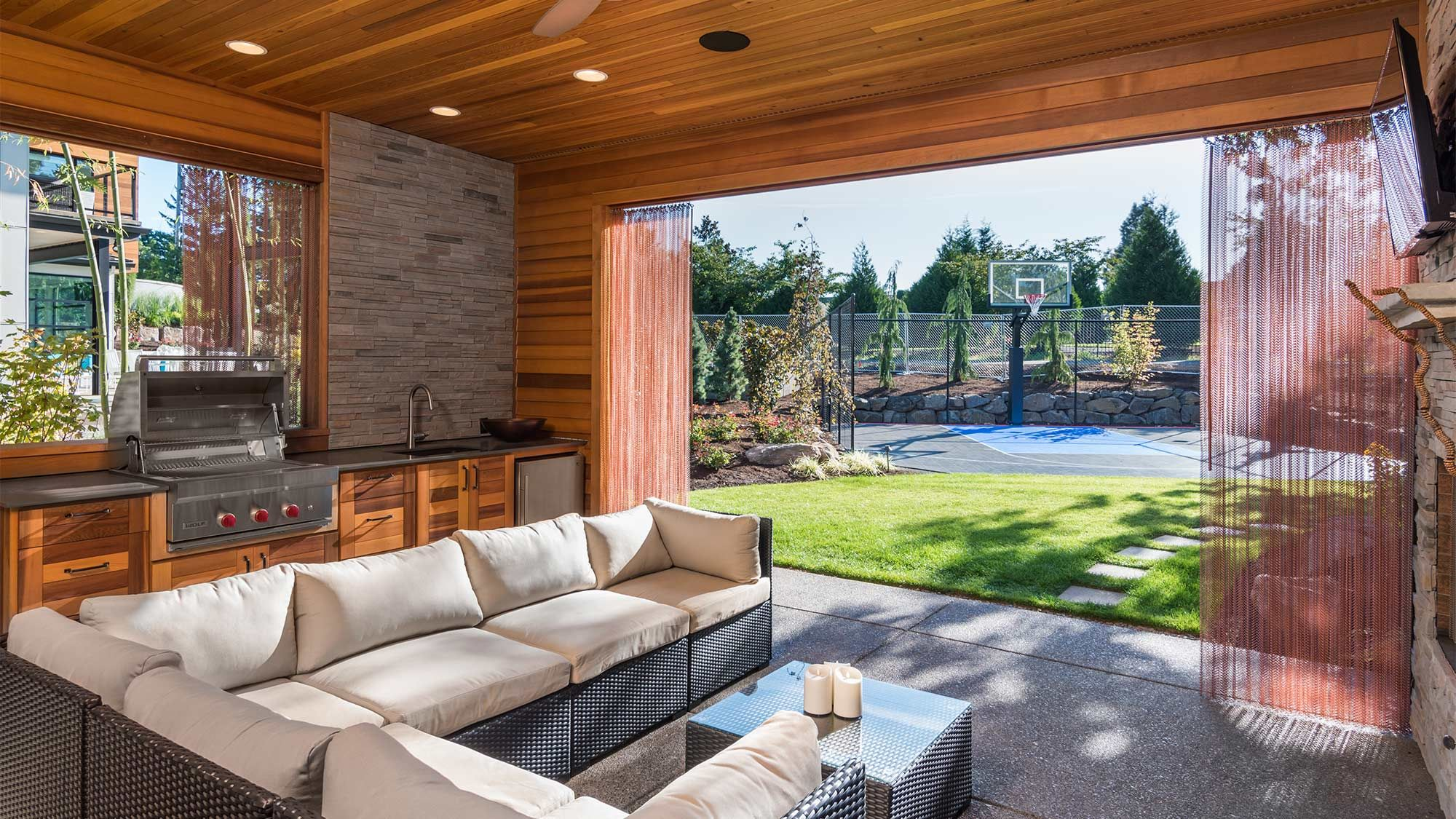 7 backyard landscaping ideas that will entice you to come out of