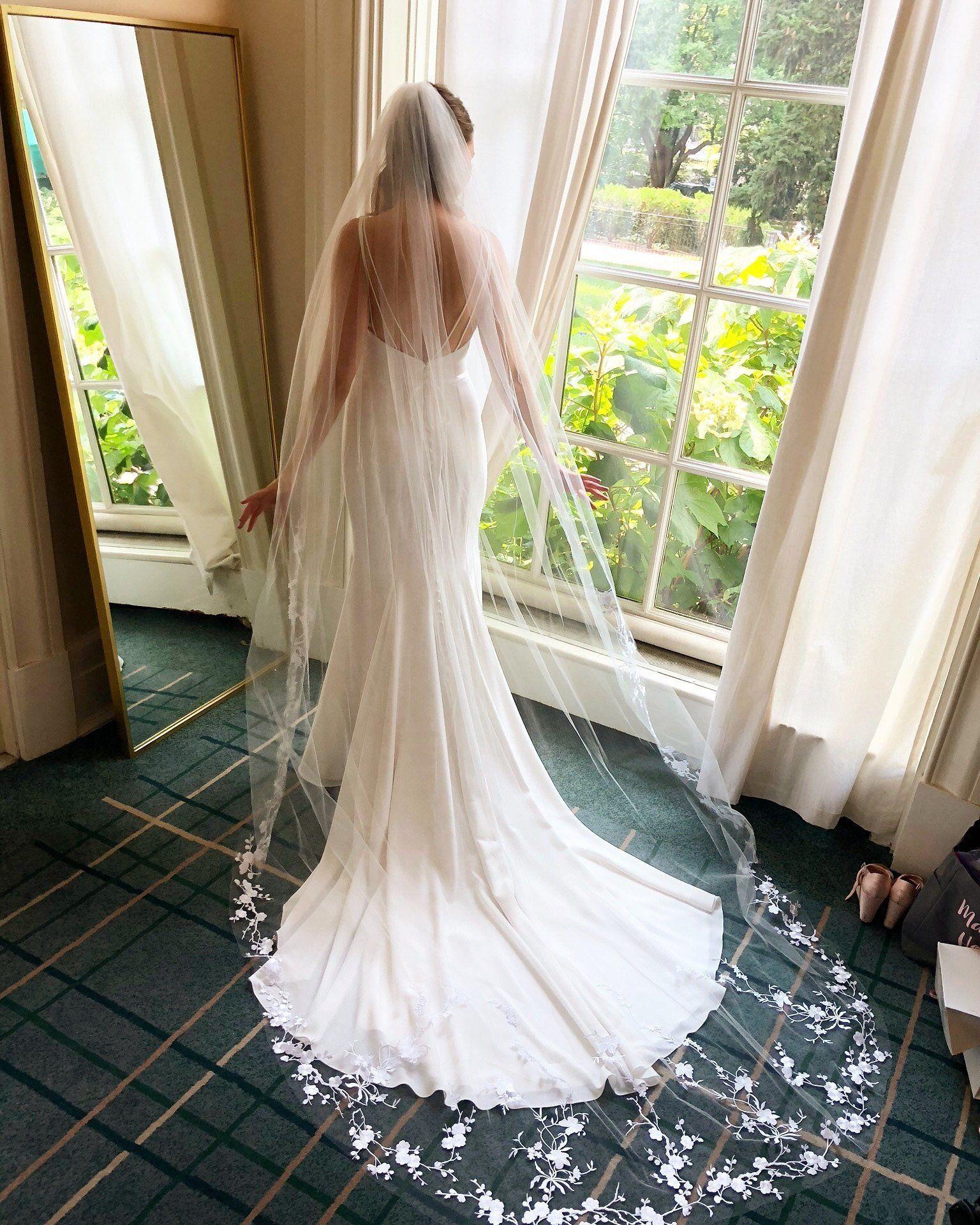 Floral Wedding Veil Plum Blossom Flower Veil White Veil Etsy Floral Wedding Veils Wedding Dresses Chapel Length Wedding Veil [ 1920 x 1536 Pixel ]