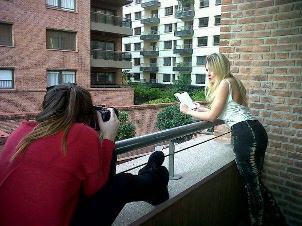 """Produccion """"Revista Ohlala""""  PH: Daiana Carbajosa  Modelo: Marianel Pereyra    Foto sacada desde un celular"""