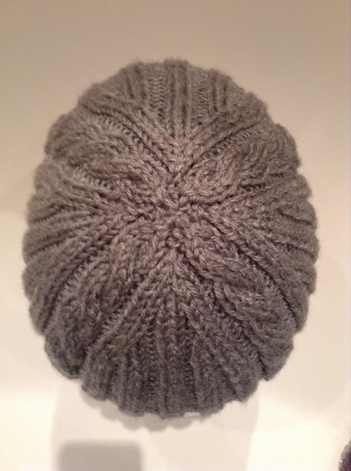 Ravelry: Ribs \'n Cables Beanie by Anne Gagnon | Вязание | Pinterest ...