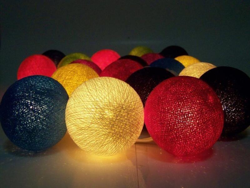 guirlande lumineuse, ballon coton, travail manuel de Siamrose Art & Decor sur DaWanda.com