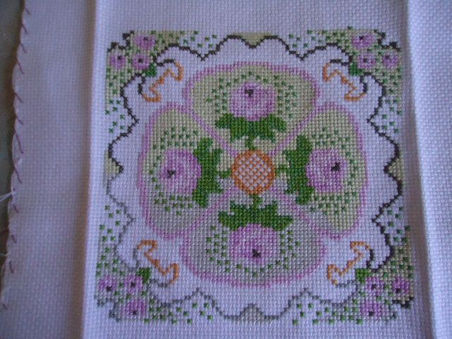 Este bordado foi feito pela Ana Grecco, lindo!!