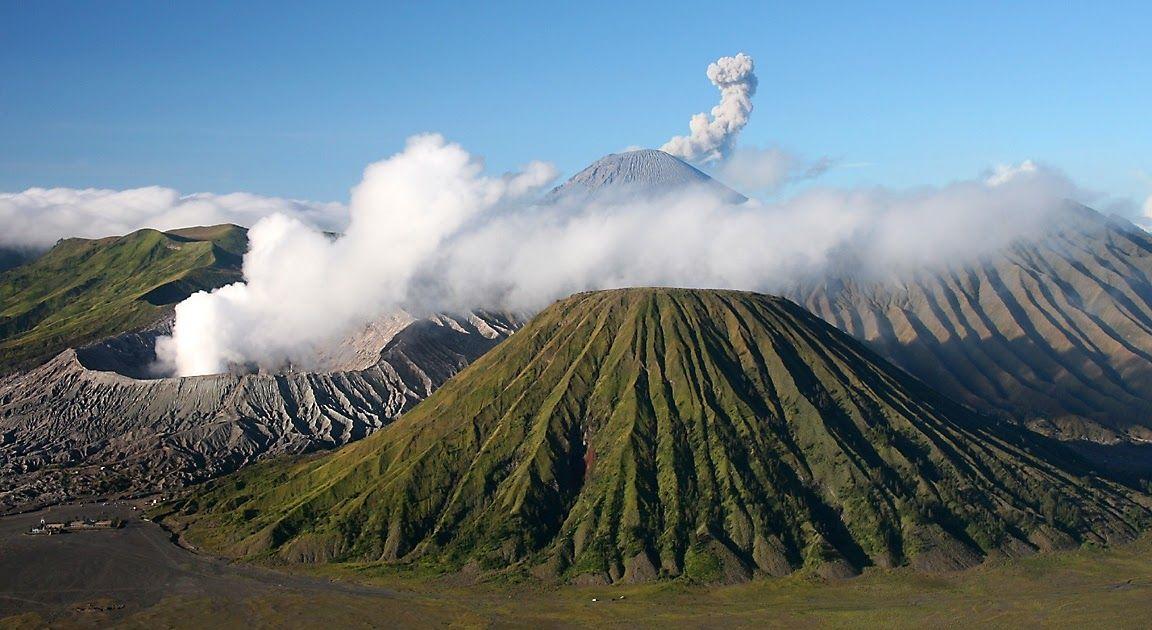 Terkeren 30 Pemandangan Gunung Bromo Hd Mount Bromo Cemoro Lawang Indonesia Volcano Trekking In Download File Pemandangan Di 2020 Pemandangan Trekking Pegunungan