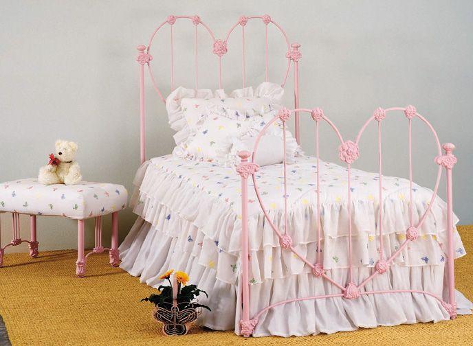 I WANT THIS!! Elliott's Designs American Sweetheart 18 wrought forged rod iron beds antique bed reproductions, reproducciones de antiguedades camas de hierro forjado