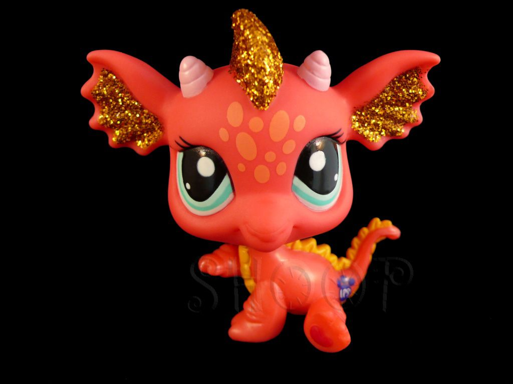 I absolutely love the lps that have glitter on them this dragon i absolutely love the lps that have glitter on them this dragon looks super cool voltagebd Choice Image