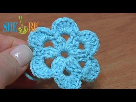 18:19 Crochet Long Petal Flower With Spiral Center Tutorial 10 von ...