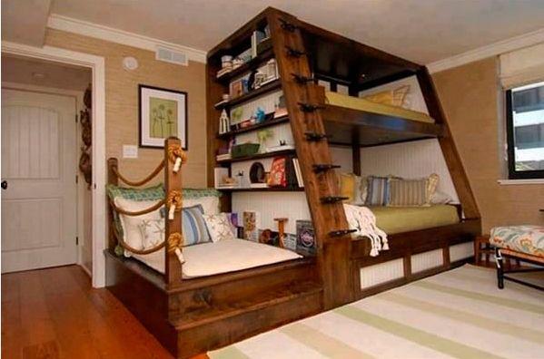 2 Un mueble para ahorrar espacio, dos camas, un librero y un sofá