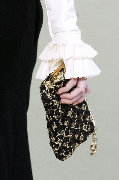 Chanel Fall 2006 - Details. Clutch.