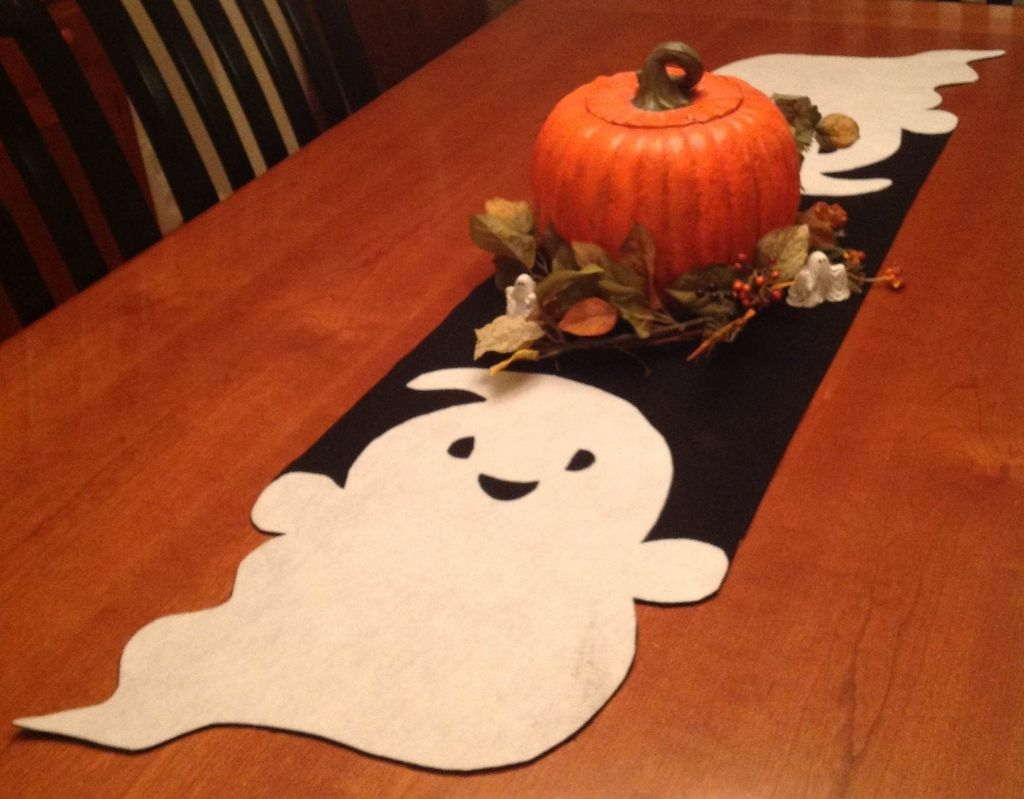 Ghost Runner You Can Add A Festive Look To Your Table For A Small