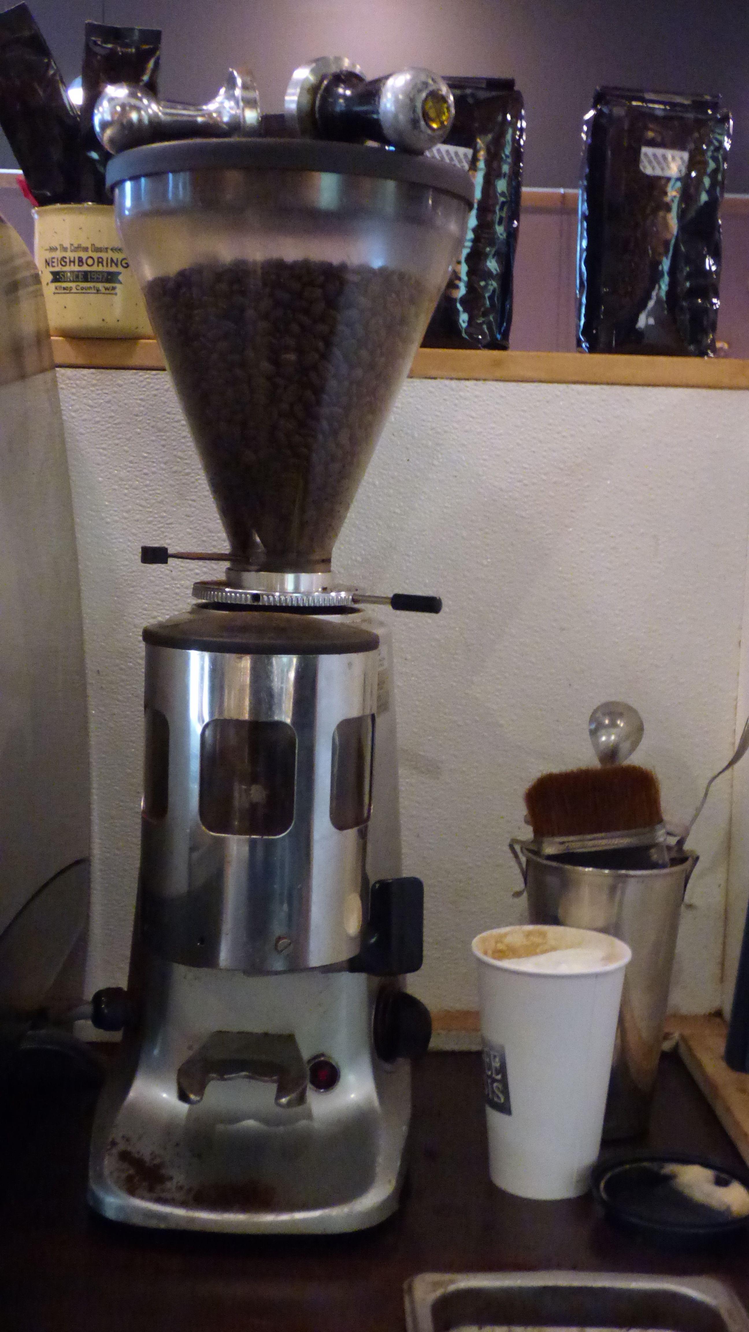 The Coffee Oasis Bremerton Coffee Bean Grinder Kitsap Charity Kitsapcares Bremerton Poulsbo Port Orc Coffee Shop Business Coffee Bean Grinder Coffee Shop
