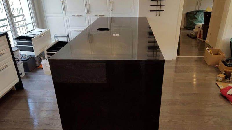 Arbeitsplatte material  Lieferung der #Granit #Arbeitsplatte, Material Nero Devil Black in ...