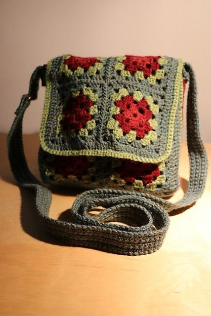 Ravelry: Free crochet pattern for Granny Square Messenger ...