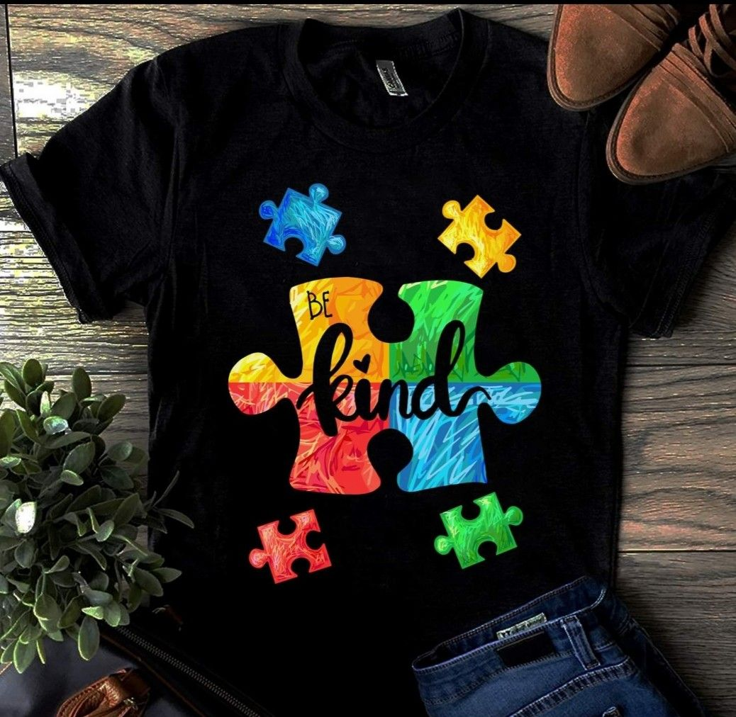Autism Acceptance Tree of Life with Hearts Women/'s Novelty T-Shirt