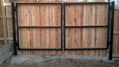 Backside Of Wood Privacy Gate On A Metal Frame Fence Gate Wood Gates Driveway Wood Fence Gates