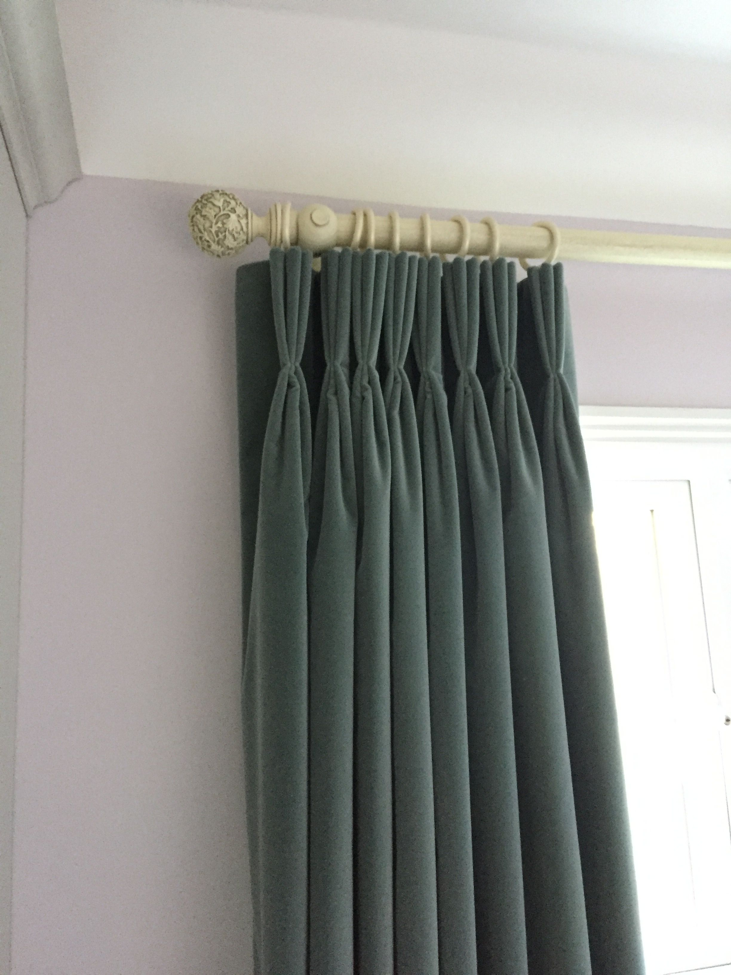 Incredible Velvet Curtains Look Sumptuous And Warm In The Country Beutiful Home Inspiration Aditmahrainfo