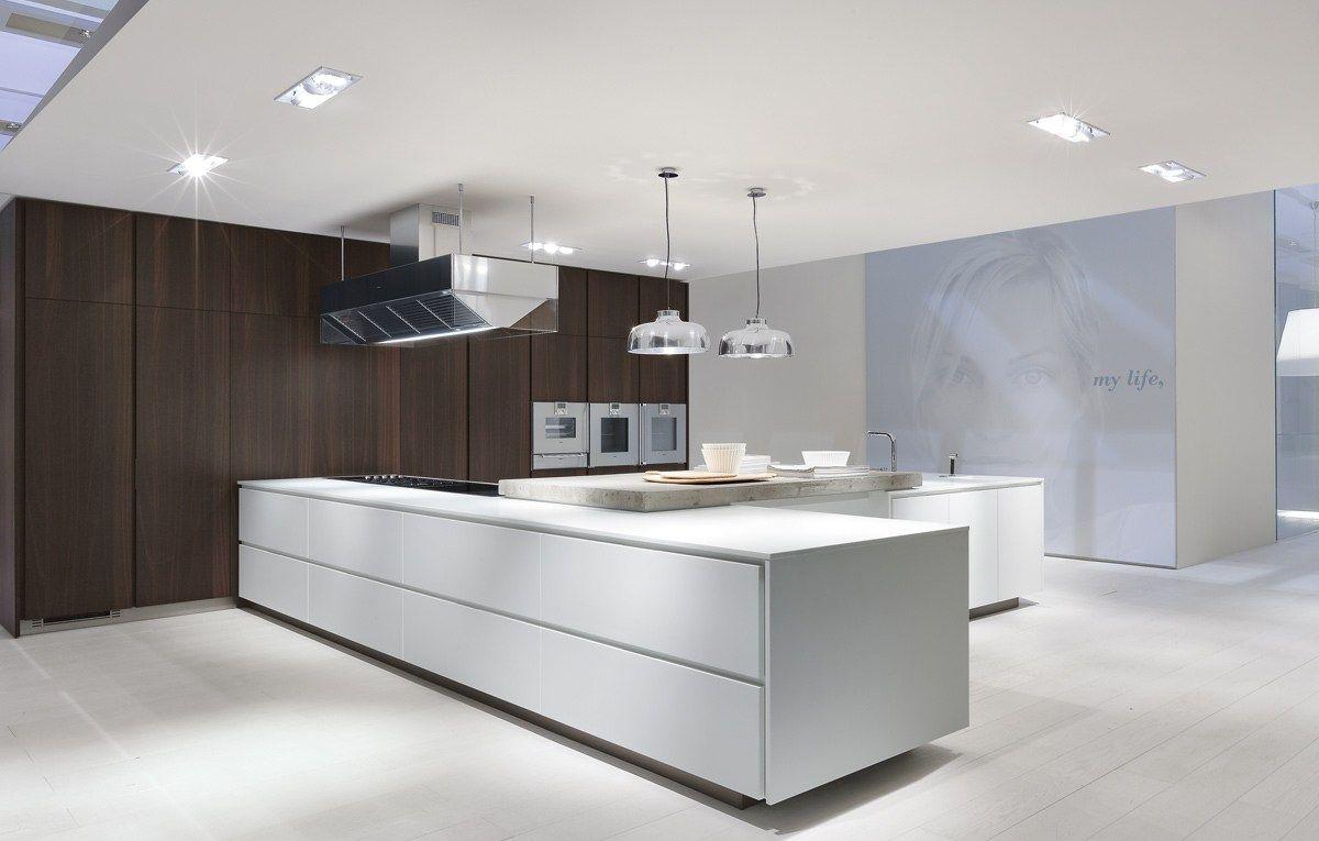 Cocina lacada de madera MATRIX by Varenna by Poliform | diseño Paolo ...