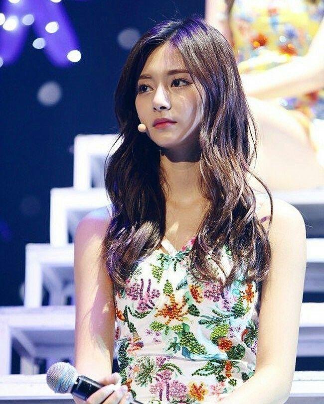 Pin by Mahaya Porter on Twice ♡♡♡   Asian beauty, Korean