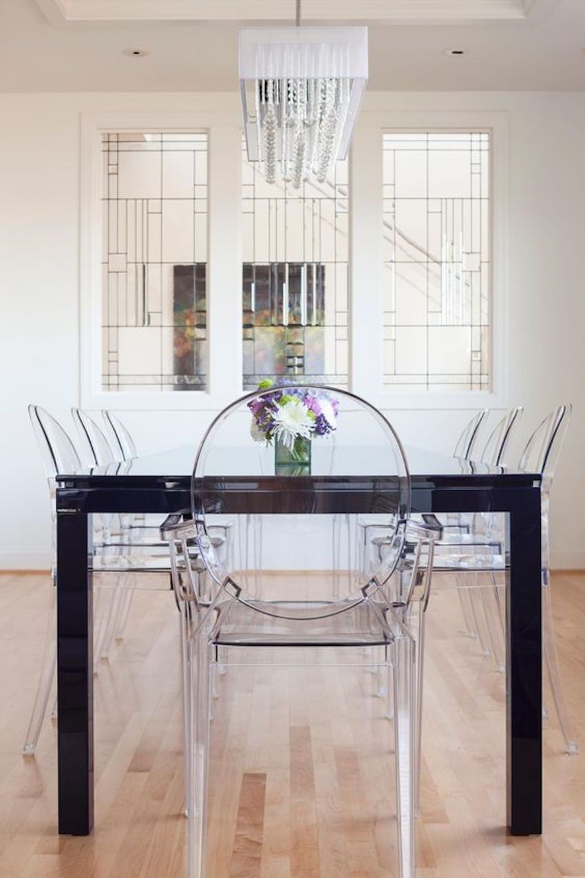 1f4469d99d157313c073f48063f0f2e3 10 Gorgeous Black Dining Tables For Your Modern