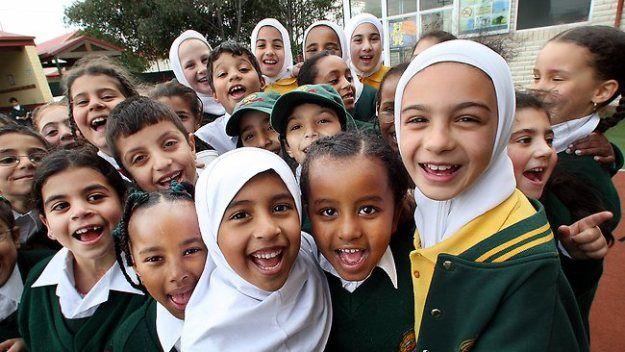 मंदिर में तालीम हासिल करते हैं मुस्लिम बच्चे