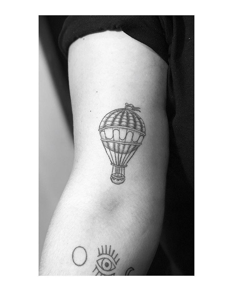 Hot air balloon healed tattoohotairballoonblackwork