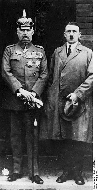 Adolf Hitler & Erich Ludendorff.