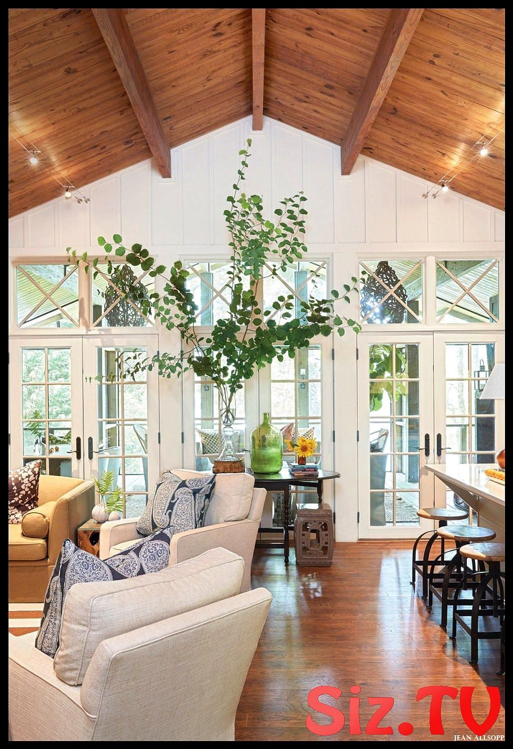 46 The Best Vaulted Ceiling Living Room Design Ideas 46 The Best Vaulted Ceiling Living Room Design Ideas Regardless Of Whether Your Living Room Is A 21 Foot Length With A Huge Picture Window Toward One Side Or You Live In A Minor Flat And The Living Room Is Bijou Without A Doubt There Are Living Room Decor #ceilinglivingroomvaulted #best #vaulted #ceiling #living #room #design #ideas #regardless #whether #your #foot #length #with #huge #picture #window #toward #side #live #minor #flat #bijou #v #vaultedceilingdecor