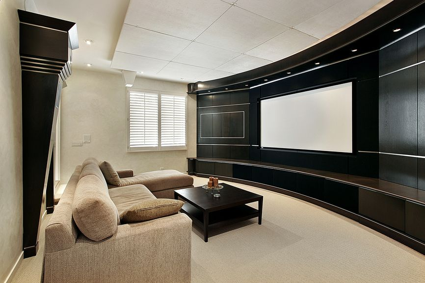 Delicieux Home TV Room With Sectional Sofa