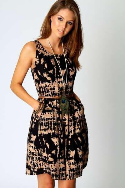 Ashlie Printed Sleeveless Belted Dress at boohoo.com