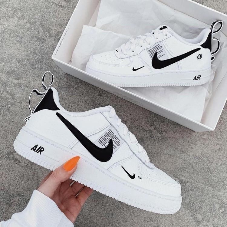 chaussure nike blanche fille