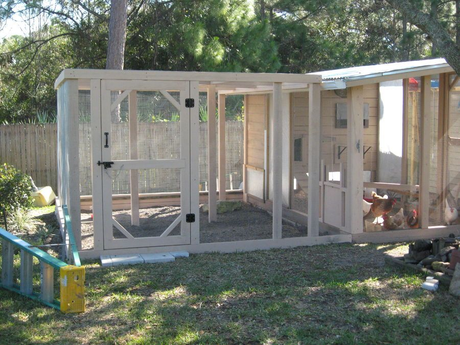 """Image 1 of 5 in forum thread """"1/2x1/2 hardware cloth or 1x2 welded wire for outdoor aviary?"""""""
